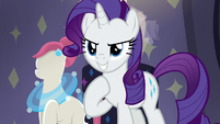 Rarity confidently helping Pursey Pink S8E4