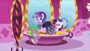 S05E26 Starlight i Spike u Rarity
