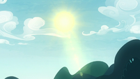 Sun shining over the Everfree Forest S8E13