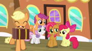 180px-Applejack, CMC and Babs Seed S3E04