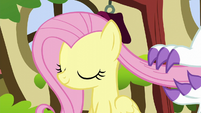 Angel brushes Fluttershy's mane with his claws S5E13