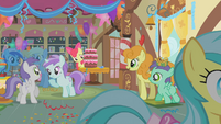 Apple Bloom hiding behind cake S01E12