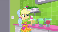 Applejack catches a cup on her elbow SS9