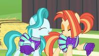 Cheer ponies dance in new uniforms S9E15