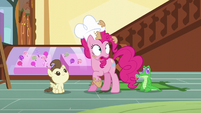 "Pinkie ""I have to keep the exciting news"" S5E19"