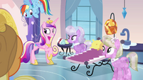 Princess Cadance and crystal spa ponies S03E12