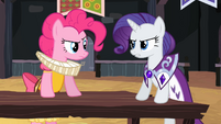 Princess Platinum talks to Chancellor Puddinghead S2E11