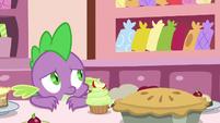 Spike watching Mrs. Cake work S9E23