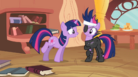 Twilight looking at Twilight S2E20