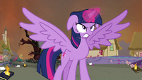 Twilight ready to battle S4E26