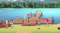 Wondercolts team up to fix the dock EG4