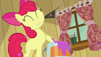 Apple Bloom paint bucket S2E17