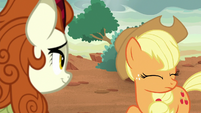 Applejack shaking her head S8E23