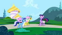 Minuette, Twinkleshine and Lemon Hearts inviting Twilight S1E1