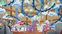 Ponies still in line to ride the rollercoaster S8E5