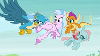 Silverstream pointing at Sandbar and Yona S8E1