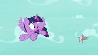 Spike blown backward by the wind S8E11