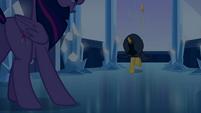 Twilight entra na frente de Sunset Shimmer EG