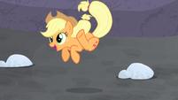 Applejack jumping for joy S5E2