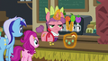 Convention juice bar pony serving drinks S6E13.png