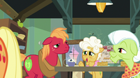 "Goldie ""that's right, young filly"" S9E10"