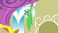 Gummy nipped onto the balloon S1E25.png