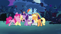 Mane six happily back together and hugging S4E02