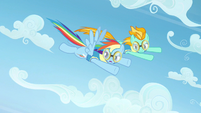 Rainbow Dash looking at competition S3E7