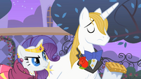 Rarity and Blueblood --at least SOMEPONY has good manners-- S01E26