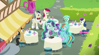 Starlight appears between Rarity and Dash S8E17