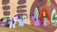 Twilight, Rarity and Spike looking at Rainbow Dash S2E21