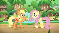 "Applejack ""get 'em all talkin' again"" S8E23"