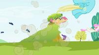 Big McIntosh ponies explosion S2E3