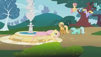 Lyra Heartstrings and Fluttershy S1E07