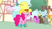 S04E12 Pinkie robi śmieszną minę