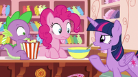 "Twilight Sparkle ""that doesn't sound like Rarity"" S6E22"