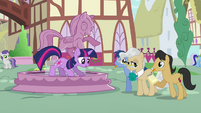 Twilight on the edge of a fountain S3E13