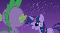 Twilight winks at Spike S1E24