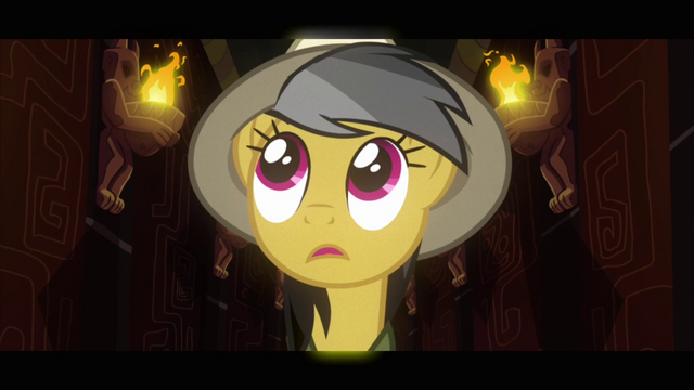 Файл:Daring Do looks to the left of the corridor S2E16.png