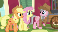 Fluttershy uncomfortable with Wrangler's offer S7E5