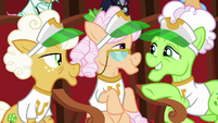 Gold Horseshoe Gals hear their cue S8E5