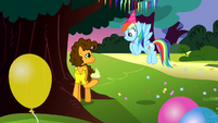 Rainbow Dash talking to Cheese Sandwich S4E12
