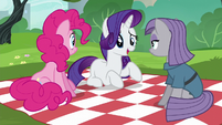 Rarity --I'm not even a Pie sister-- S6E3