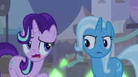 Starlight -singing and standing in line- S8E19