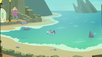 Twilight, Terramar, and CMC on the Aris beach S8E6