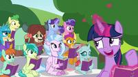 Twilight -they did something Rainbow Dash likes- S8E17