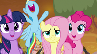 Twilight and friends impressed by Star Swirl S9E2