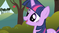 Twilight explaining herself to Applejack S1E01