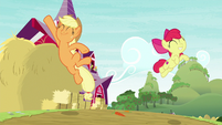 Applejack and Apple Bloom jumping for joy S9E10