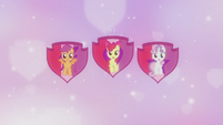 Crusaders on shield cutie mark backdrop S5E18